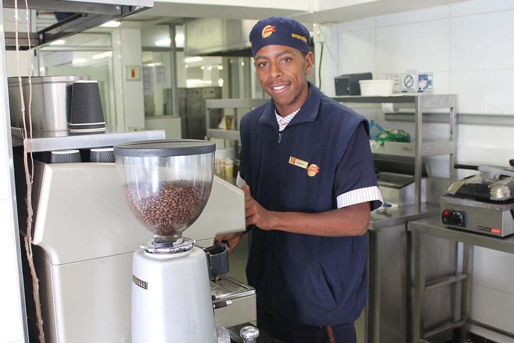local man becomes coffee barista bergzicht training